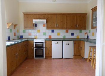 2 bed flat to rent in Rosebery Avenue, Blackpool FY4