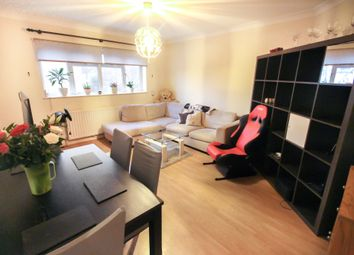 Thumbnail 2 bed flat to rent in Walton Road, West Molesey