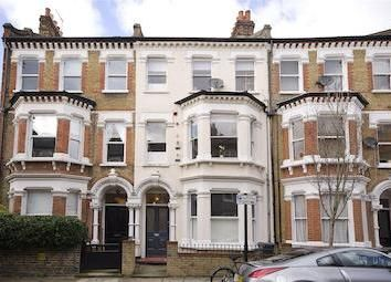 Thumbnail 1 bed flat to rent in Sandmere Road, Clapham North