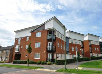 Thumbnail 2 bed flat for sale in Eddington Crescent, Welwyn Garden City, Hertfordshire