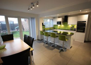Thumbnail 4 bedroom detached house for sale in Selsey Drive, Luton