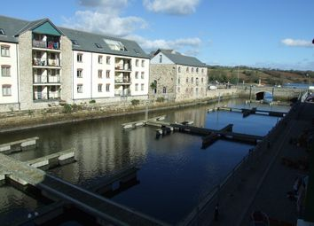 2 bed flat to rent in Eastwood Road, Penryn TR10