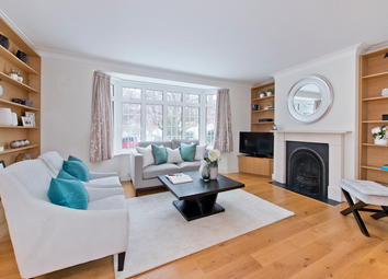 Thumbnail 2 bed maisonette for sale in Lock Chase, London