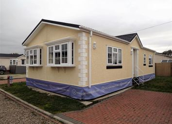 Thumbnail 2 bed mobile/park home for sale in Dogdyke, Hawthorn Hill, Lincolnshire