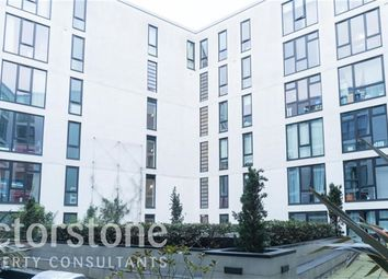 Thumbnail 3 bed flat for sale in Westland Place, Islington, London