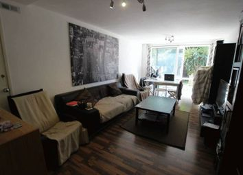 Thumbnail Room to rent in Newell Street, London