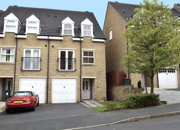 Thumbnail 3 bed town house for sale in Oberon Way, Cottingley, Bingley