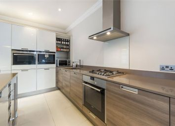 Thumbnail 3 bed flat to rent in Bracknell Gardens, Hampstead, London