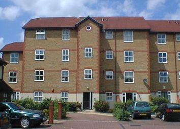 Thumbnail 1 bed flat to rent in Kennet Square, Mitham, London