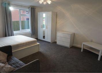 Thumbnail Studio to rent in Holmsley Walk, Leeds