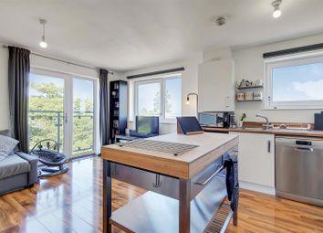 Thumbnail Flat to rent in Stones Avenue, Dartford