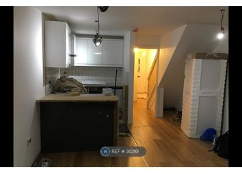 Thumbnail 3 bedroom flat to rent in Westferry, London
