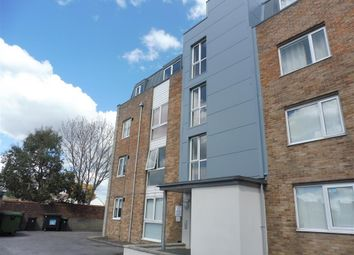 Thumbnail 2 bed flat to rent in Alexandra Road, Weymouth