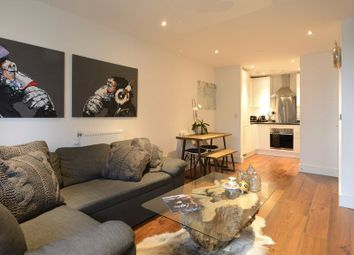 Thumbnail Flat to rent in Duckman Tower, 3 Lincoln Plaza, London