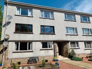Thumbnail 1 bed flat to rent in 3E Silverdale Gardens, Largs