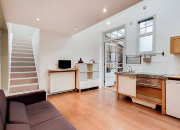 1 bed property to rent in Acacia Road, Poet's Corner, London W3