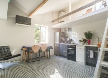 Thumbnail 2 bed flat to rent in Broadway Market, London Fields