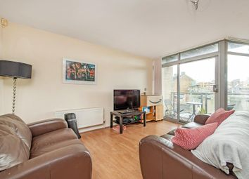 2 bed flat to rent in Violet Road, London E3