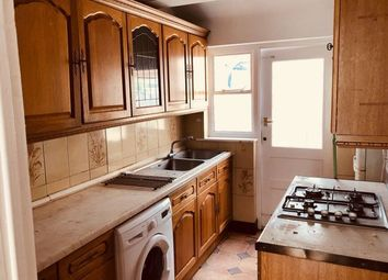 Thumbnail 4 bed detached house to rent in Victoria Road, Mitcham