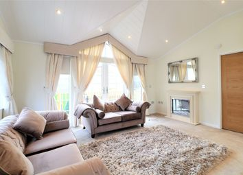 2 bed mobile/park home for sale in Bushey Hall Park, Bushey Hall Drive, Bushey WD23
