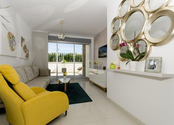 Thumbnail 2 bed bungalow for sale in Calle Laguna Vista 03186, Torrevieja, Alicante