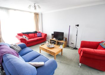 Thumbnail 2 bed flat to rent in Victoria Avenue, West Molesey