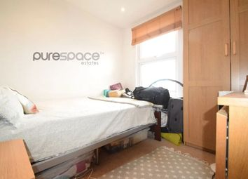 Thumbnail 1 bedroom flat to rent in Balham High Road, London