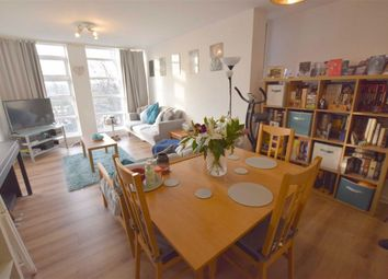 1 bed flat to rent in Holden Avenue, Woodside Park, London N12