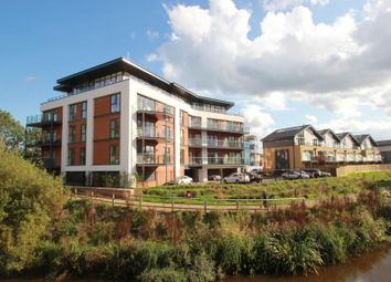 Thumbnail 1 bed flat to rent in Sycamore Avenue, Woking