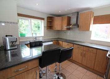 Thumbnail 3 bed flat to rent in Blyth Road, Bromley
