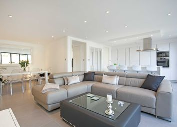 Thumbnail 4 bed detached house to rent in Sunnyfield, Mill Hill, London