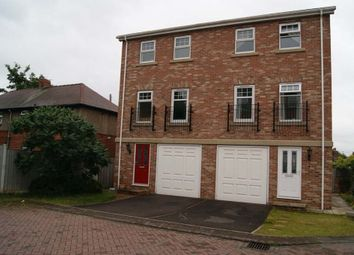 Thumbnail 3 bed town house to rent in The Courtyard, Wakefield