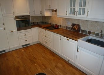 Thumbnail 2 bedroom flat to rent in St. Johns South, High Street, Winchester