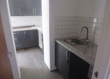 Thumbnail 1 bed flat to rent in Eastway, Shaw