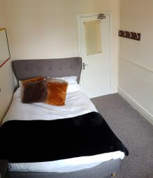 Thumbnail Room to rent in Lincoln Street, Leicester