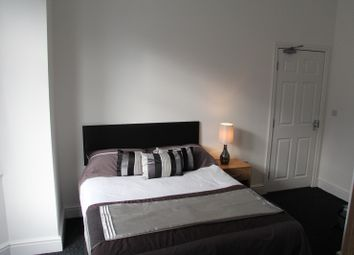 Thumbnail 6 bed shared accommodation to rent in Lovely Lane, Warrington