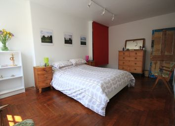 Thumbnail 3 bed flat to rent in Ligonier Street, London