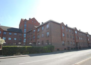 Thumbnail 2 bed flat to rent in Clarence Road, Gosport