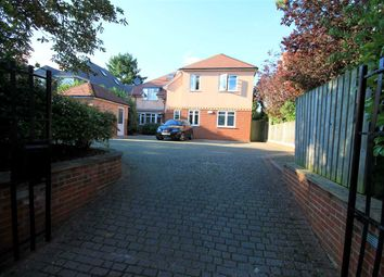 Thumbnail 2 bed flat to rent in Richmond Park Avenue, Bournemouth
