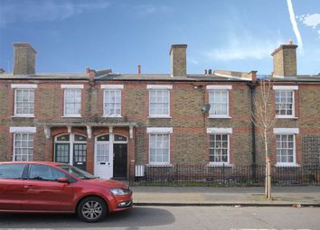 Thumbnail 2 bed flat to rent in Reform Street, London