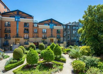 Thumbnail 3 bed flat to rent in Artesian Road, London