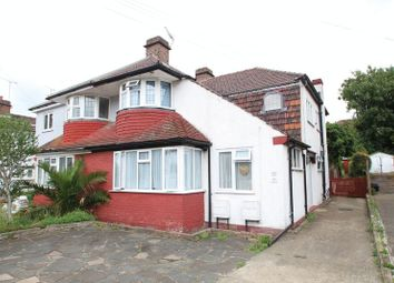 2 bed maisonette to rent in Windsor Drive, Dartford, Kent DA1