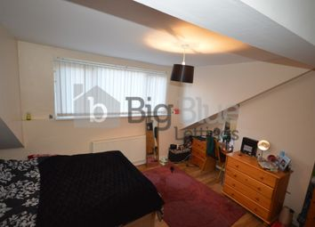 Thumbnail 3 bed flat to rent in Brudenell Grove, Hyde Park, Three Bed, Leeds