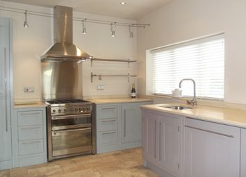 Thumbnail 2 bed flat to rent in London Road, Hazel Grove
