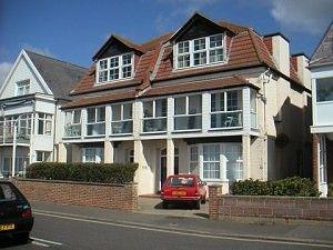Thumbnail Studio to rent in Marine Drive West, Bognor Regis