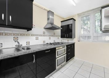 2 bed flat to rent in Plough Way, London SE16