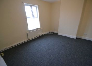 Thumbnail 3 bedroom flat to rent in London Road, Earley, Reading