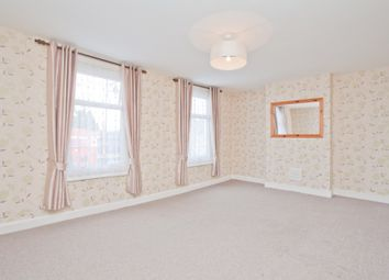Thumbnail 1 bed flat to rent in Evelina Road, London