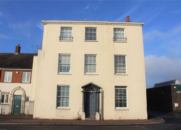 2 bed flat to rent in Mitre Court, Taunton TA1