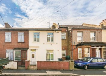 Thumbnail 3 bed property to rent in Heath Road, Hounslow